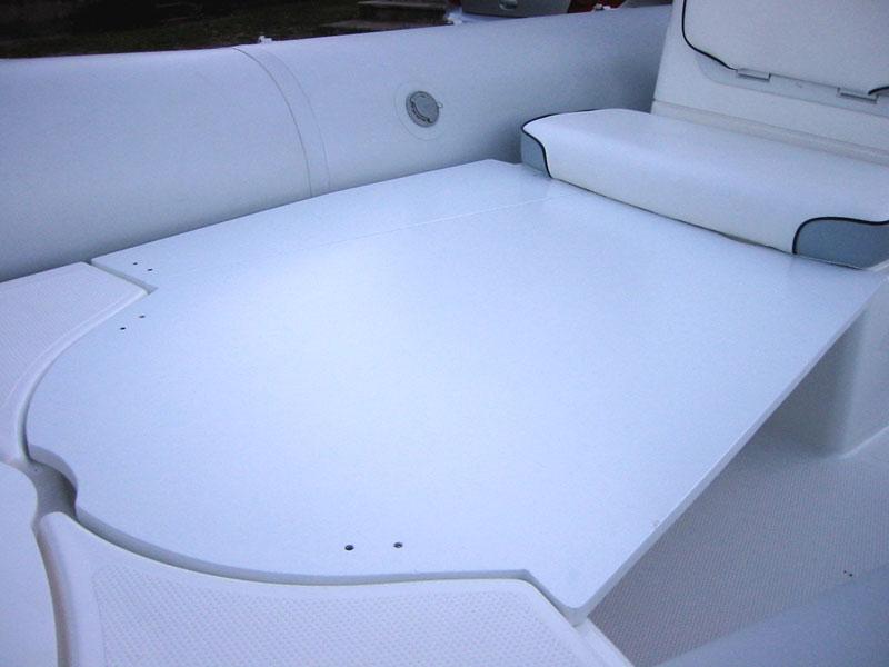 r alisation d 39 une bain de soleil table pour un bombard 530 sb ii. Black Bedroom Furniture Sets. Home Design Ideas