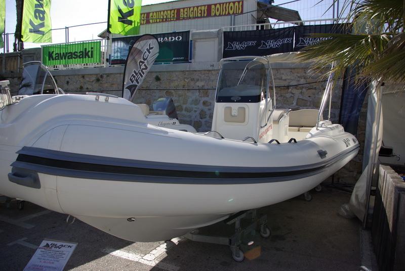 Nautic 2000 salon nautique marseille ciotat 2010 nauticlaes - Salon nautique ciotat ...
