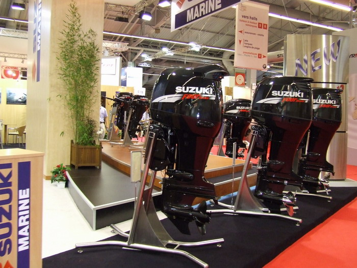 Suzuki paris 2006 salon nautique for Salon nautisme paris