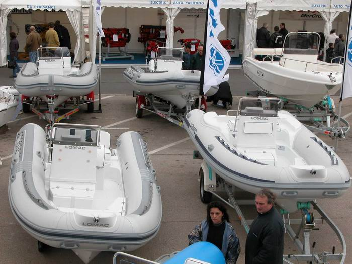 98 gros stand lomac - Salon nautique ciotat ...