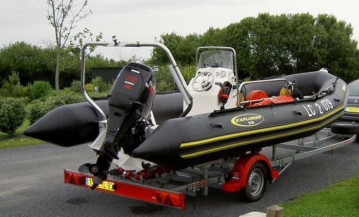 Vols de bateau pneumatique et semi rigide et de moteurs hors bord - Meilleur semi rigide 5m ...